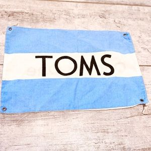 ⭐️3 for $21⭐️ Two TOMS dust / shoe bags 😊